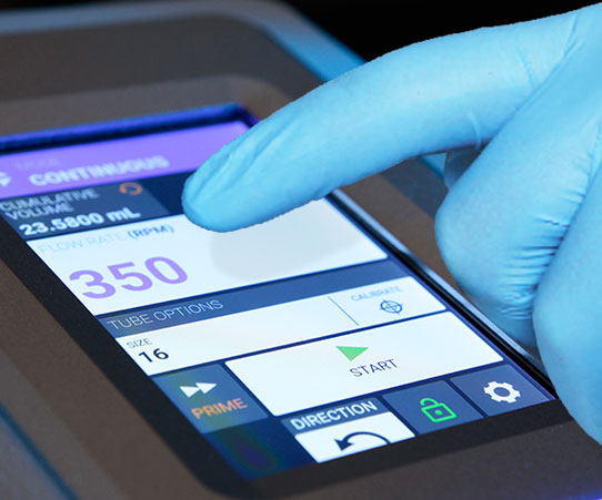 intuitive touchscreen works even wearing gloves