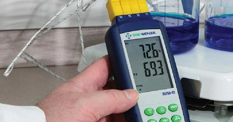 Digi-Sense Standard Precalibrated Thermocouple Thermometer in Lab